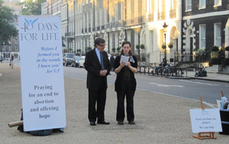 Cierran clínica de aborto tras campaña de oración en EUA