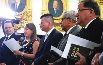 Costa Rica: Evangélicos y autoridades celebran el Día de la Biblia