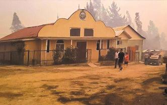 Templo evangélico salvó de incendio que arrasó Santa Olga